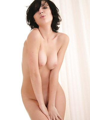 Glam Deluxe  Odele  Brunettes, 18 year, Teens, Young